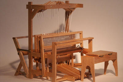 Miniature 4-Harness Loom  1:12