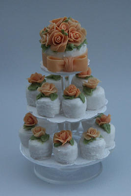 Apricot Roses Cupcakes