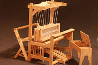 Natural maple loom with bench